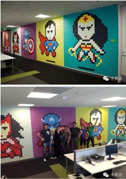 """用便利贴组成的办公室""""超级英雄""""主题壁画"""